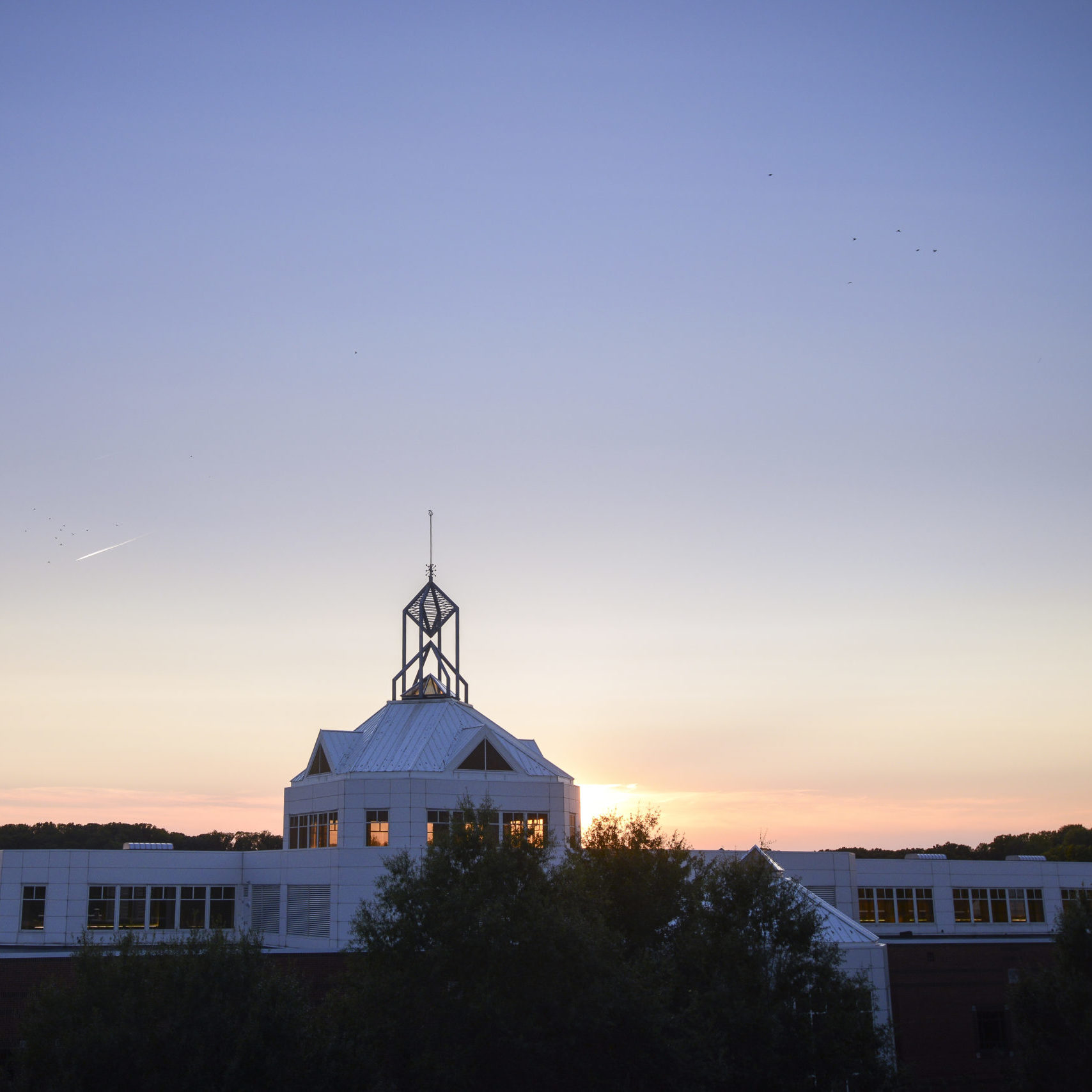 Johnson Center sunset. Photo by Evan Cantwell/Creative Services/George Mason University